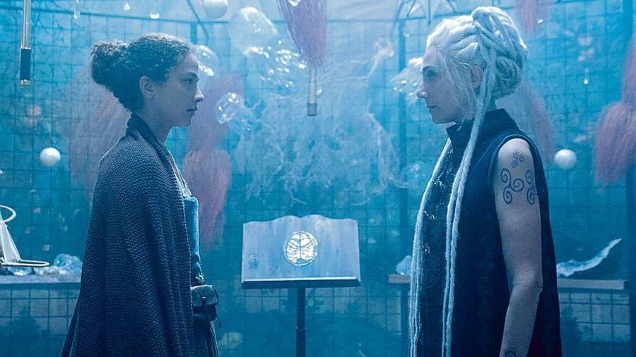 Сериал Чёрная луна (1 сезон, 2020) смотреть онлайн